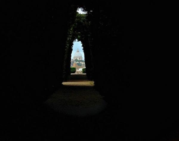 keyhole-vatican